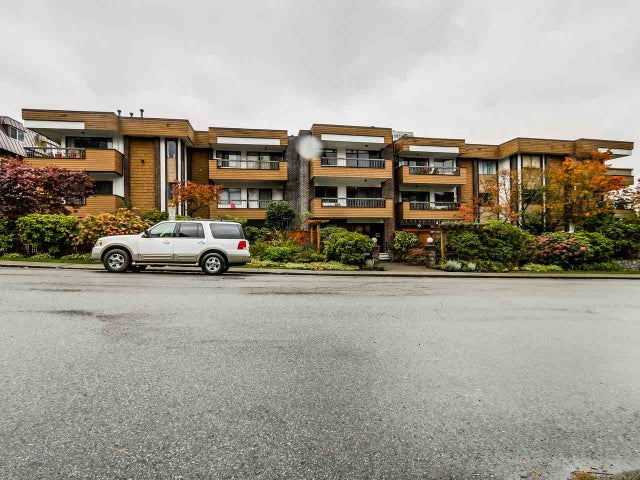 206 141 E 18TH STREET - Central Lonsdale Apartment/Condo for sale, 1 Bedroom (R2006458) #1